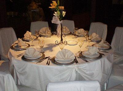 Alquiler mesas y sillas for Mesas redondas plegables para eventos